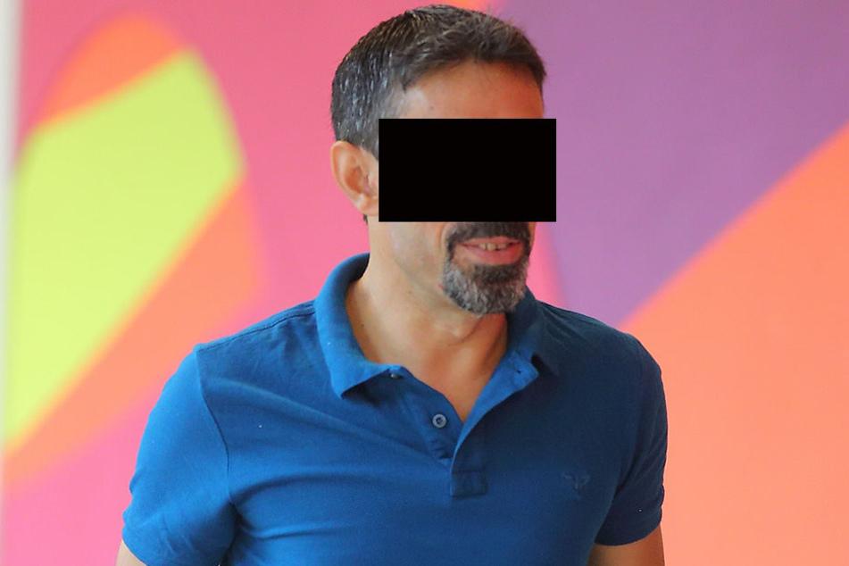 Mehmet B. (42) ist der Halter des Unfallwagens, will aber nicht gefahren sein.
