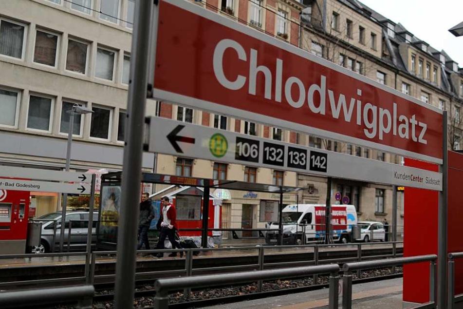 Toter an Kölner Straßenbahn-Haltestelle: Polizei gibt neue Details zum Bahn-Schubser bekannt