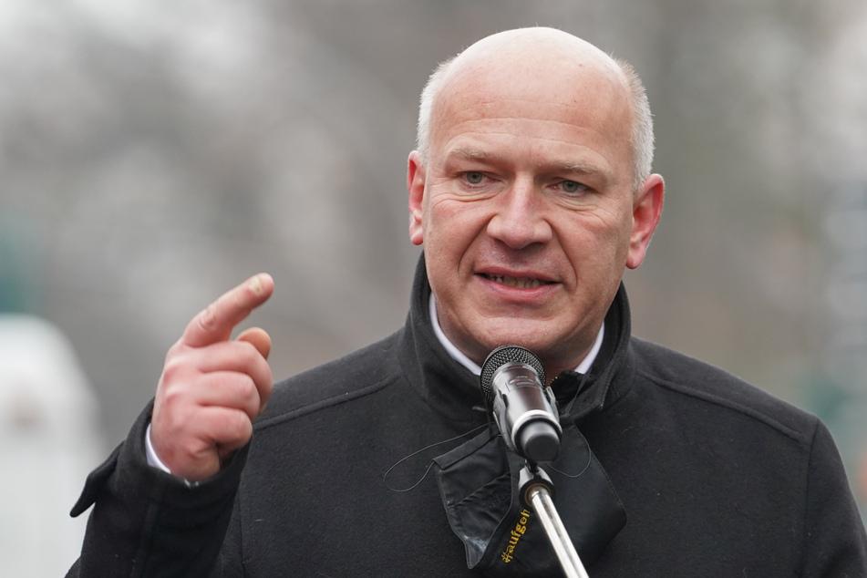 CDU-Landeschef Kai Wegner (48) übt Kritik am Berliner Senat.