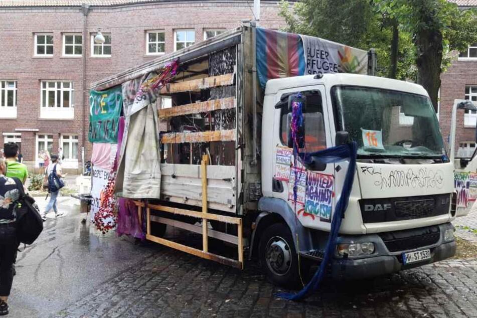 Nach Feuer bei CSD-Parade: Trucks rollen wieder!
