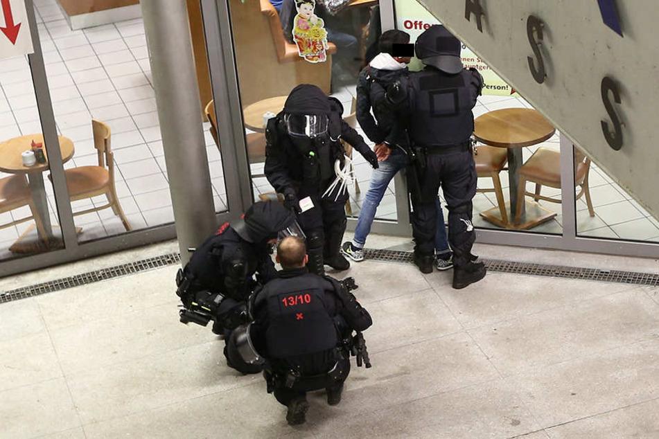 Drogen-Razzia am Dresdner Hauptbahnhof: Auch hier gehen immer wieder  Mehrfach-Intensivtäter ins Netz.