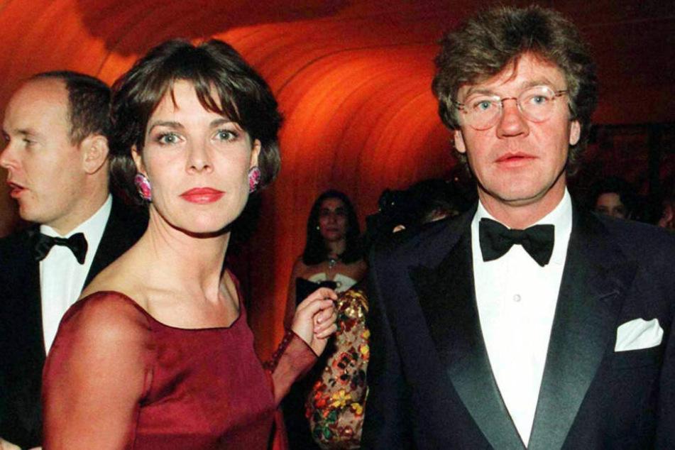 """Prinzessin Caroline von Monaco und Prinz Ernst August von Hannover waren bereits 1998 beim traditionellen """"Bal de la Rose"""" in Monaco gemeinsam zu sehen."""