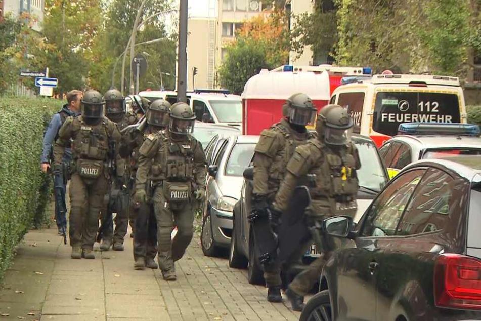 Die SEK-Einheit rückte in St. Georg an.