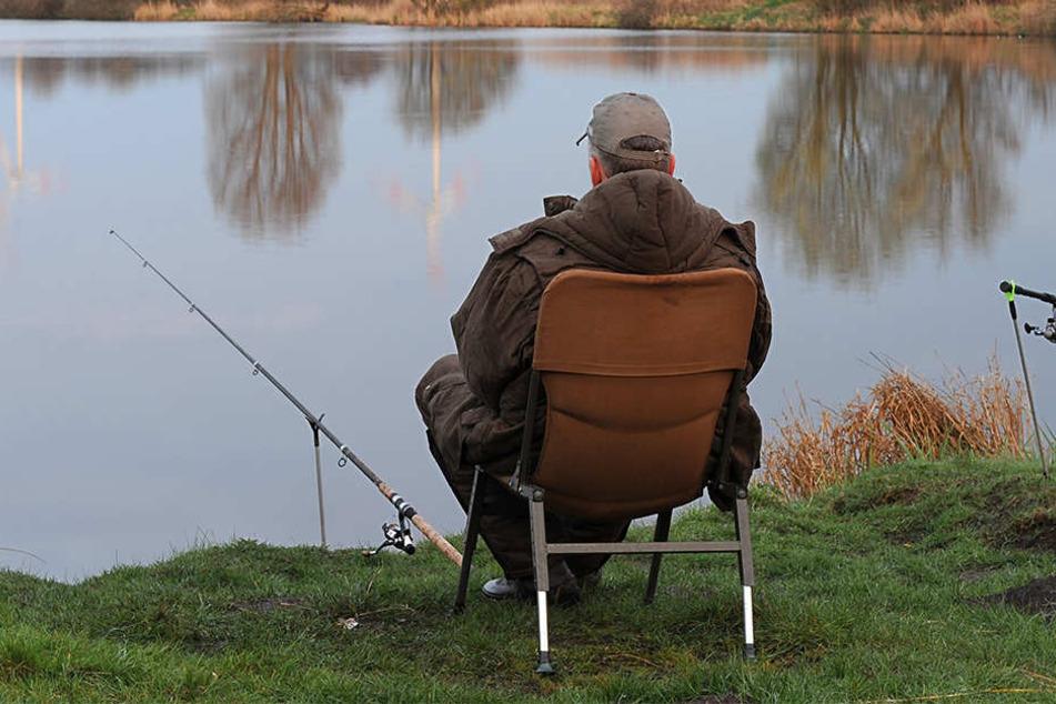 Am späten Sonntagabend überfielen Unbekannte zwei Angler an den Schönauer Lachen. Jetzt hat das OAZ die Ermittlungen übernommen (Symbolbild).