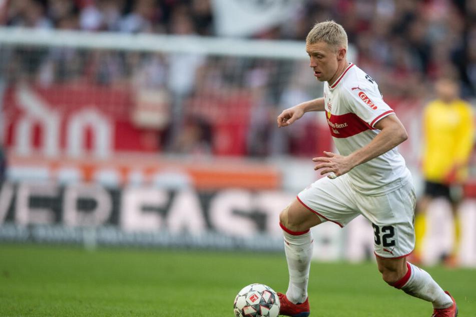 VfB Stuttgarts Rechtsverteidiger Andreas Beck (32, Foto) führte die Schwaben in den vergangenen beiden Spielen unter Interimstrainer Nico Willig als Kapitän aufs Feld.