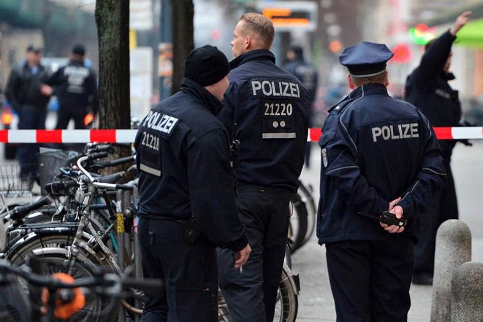 Die Polizei konnte im letzten Augenblick eine blutige Massenschlägerei verhindern.