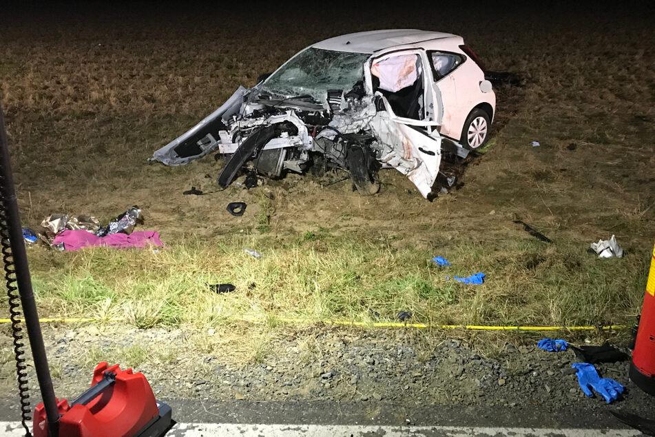 Die junge Frau, die am Steuer dieses Wagens saß, überlebte die Kollision nicht.