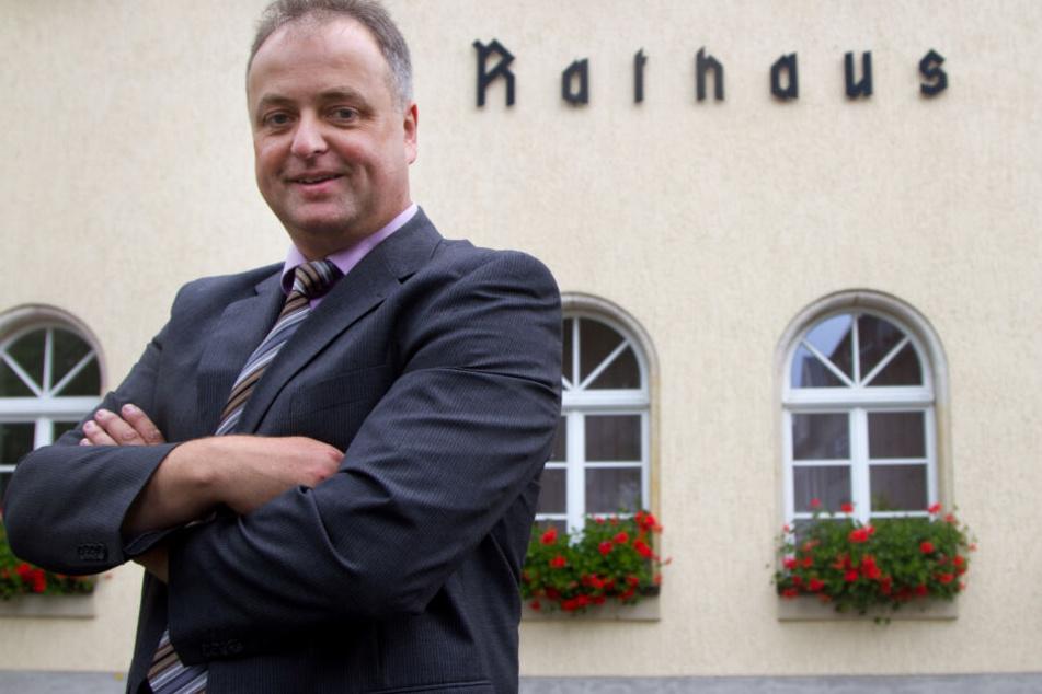 Bürgermeister Mirko Ernst ist kein Freund des Nacktrodelns.