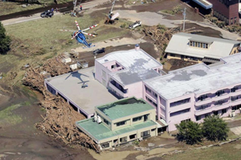 Der Taifun Lionrock hat eine ordentliche Schlammwüste in Japan hinterlassen.
