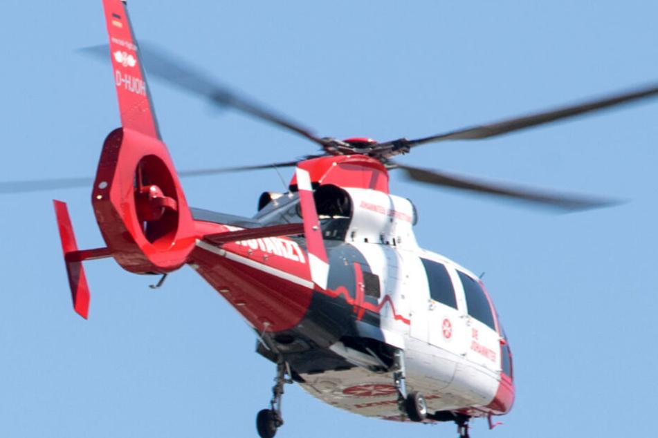 Zwar war ein Rettungsflieger im Einsatz, doch der Mann starb noch an der Unfallstelle. (Symbolbild)