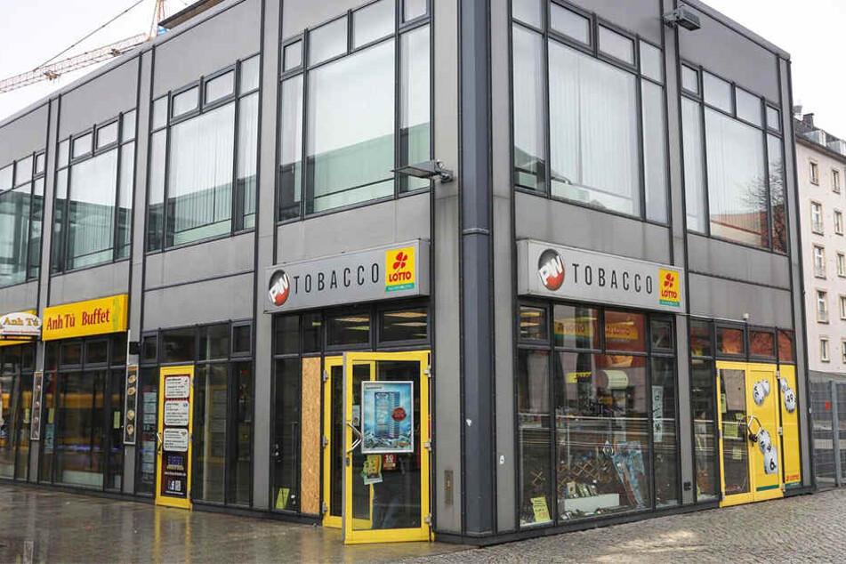 In diesen Laden in der Dresdner Innenstadt drangen die Diebe ein.