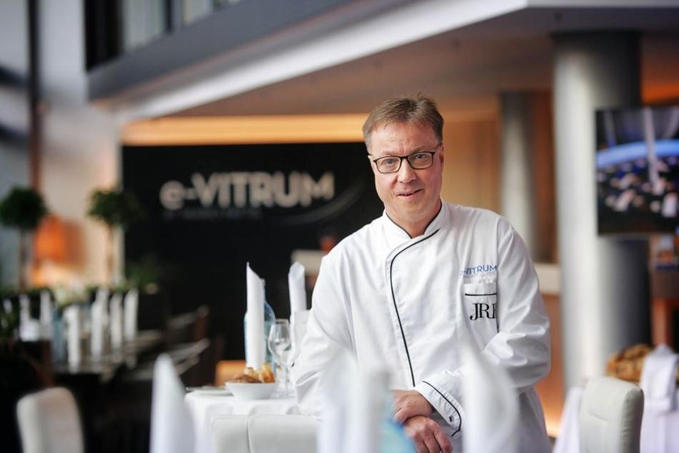 """Mario Pattis (47) hat es mit dem """"e-vitrum"""" in den """"Bib Gourmand Deutschland""""  geschafft."""