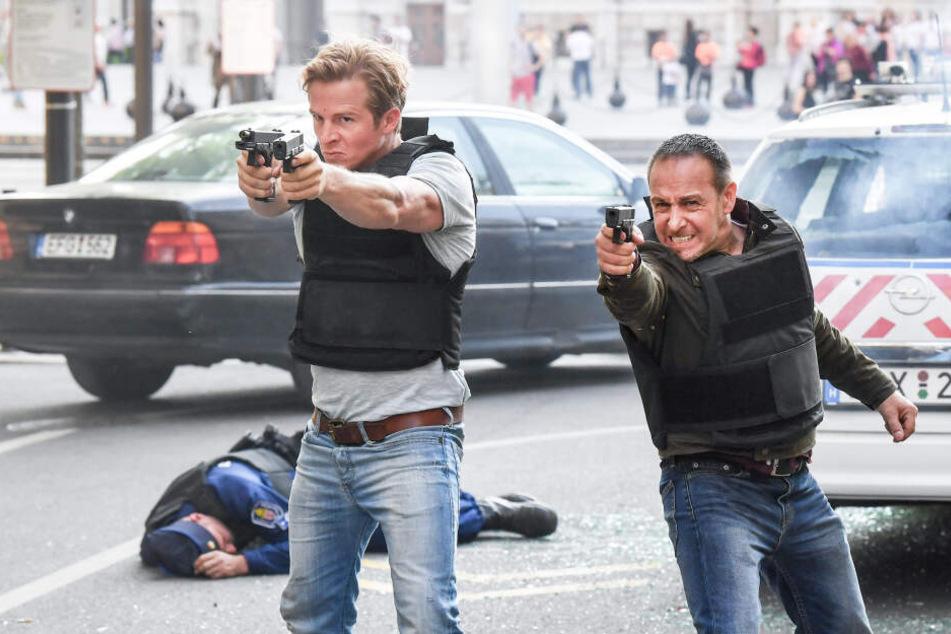 Schauspieler Daniel Roesner (links) steigt als Paul Renner bei Alarm für Cobra 11 aus. Partner Erdogan Atalay bleibt der Serie treu.