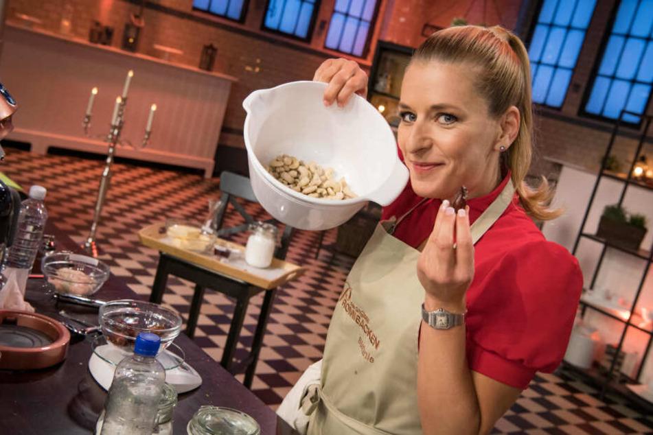 Sängerin Stefanie Hertel (40) muss sich am Mittwochabend als Bäckerin beweisen.