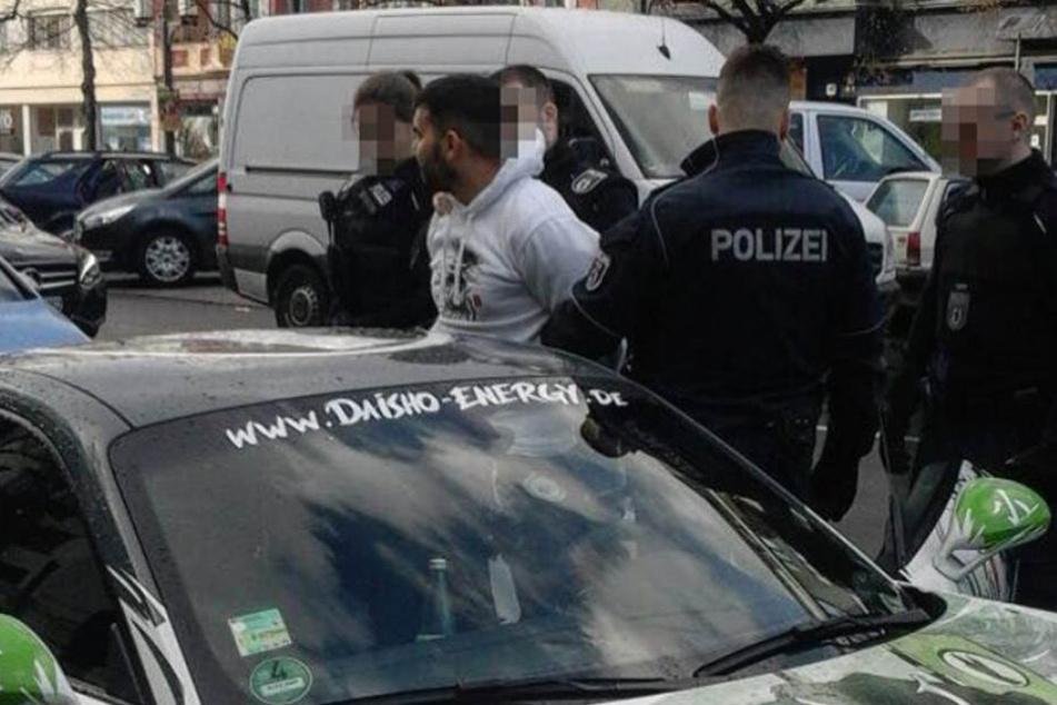 Attila Hildman während der Festnahme in Berlin.