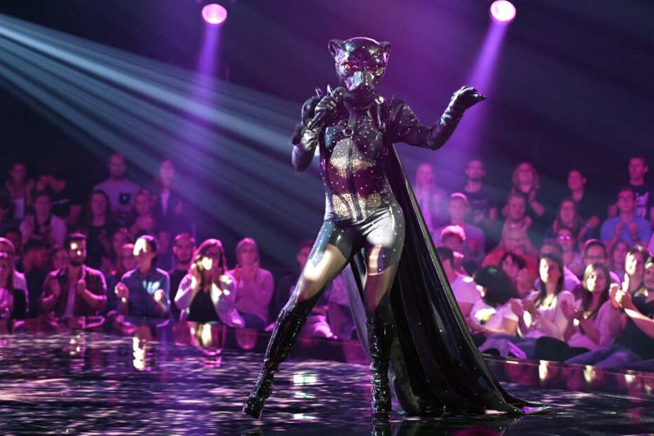"""Stefanie Hertel war als sexy Panther bei der Show """"The Masked Singer"""" dabei."""