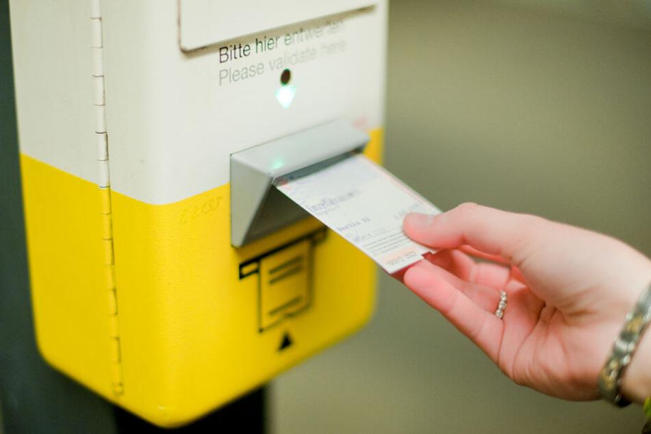 Tickets in Berlin und Brandenburg werden teurer: Bus- und Bahnkunden müssen mehr blechen!