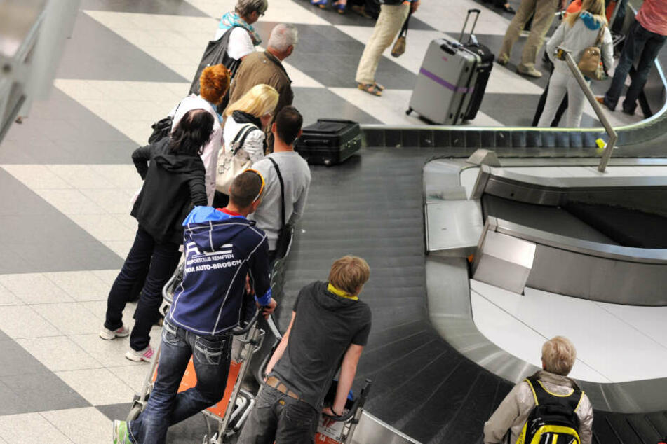 Das rund 80 Kilometer lange Gepäckförderband des Flughafens in Frankfurt fiel rund acht Stunden aus (Symbolbild).