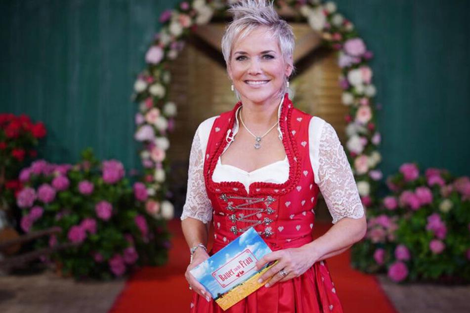 """Die charmante Inka Bause moderiert auch das """"Bauer sucht Frau""""-Osterspecial."""