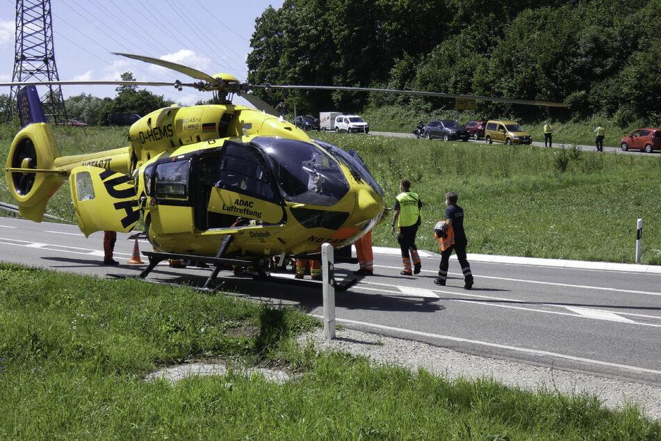 Ein Rettungshubschrauber der ADAC-Luftrettung kam bei dem Unfall zum Einsatz.