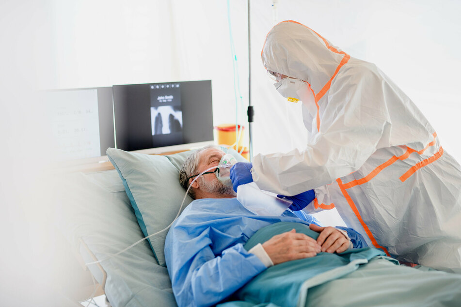 Hospitals in US on brink of capacity as Covid-19 continues to spread