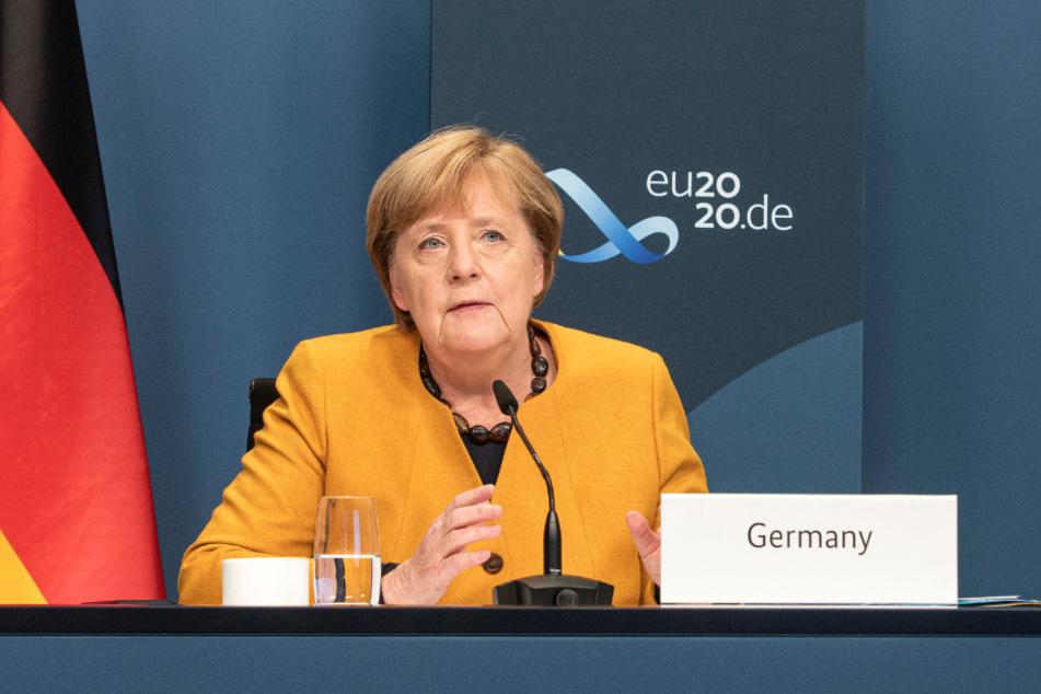 Kanzlerin Angela Merkel (66, CDU) in der Videoschalte.