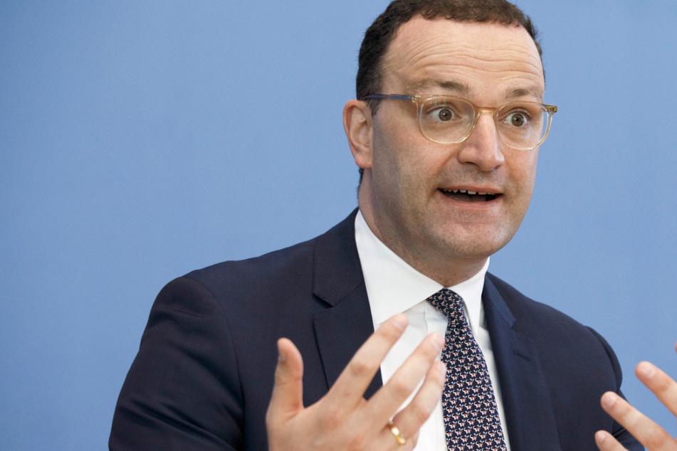 Jens Spahn (41, CDU) will den Gesundheitsschutz bei Hitzewellen verbessern lassen.