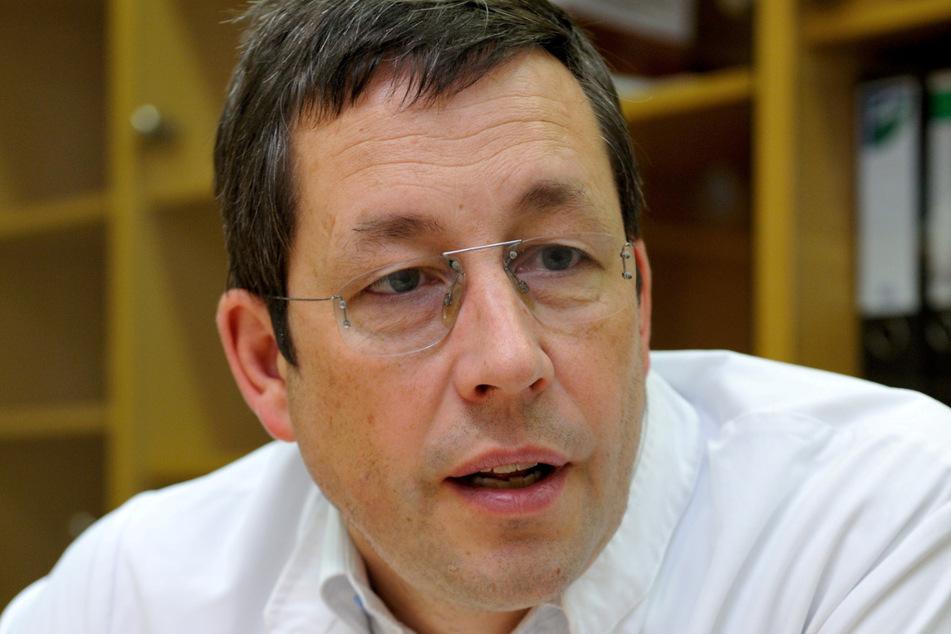 Prof. Stefan Hammerschmidt (54).