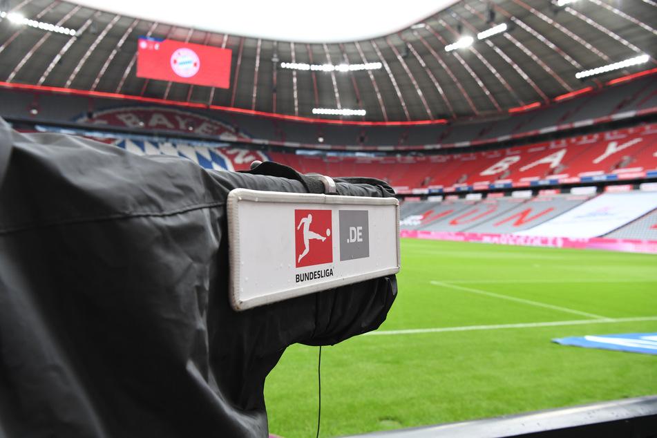 In den Bundesliga-Stadien, wie hier in der Münchner Allianz Arena, sollen bis Jahresende keine Gästefans mehr zuschauen - zumindest wenn es nach der DFL geht. (Archivfoto)
