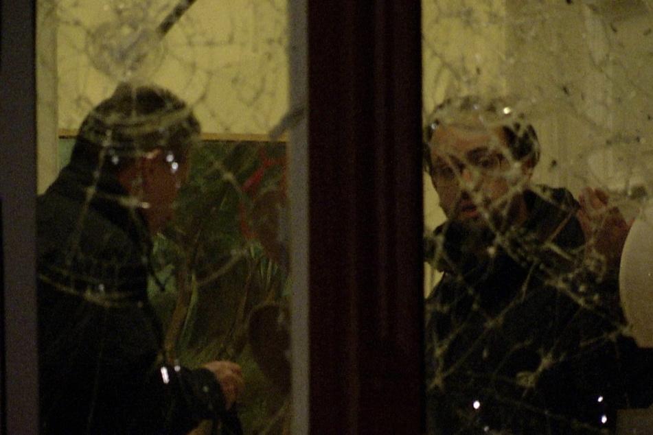 Im Jahr 2015 in Leipzig: Zuerst flogen Steine gegen die Fenster von Gemkows Wohnung, dann folgt Buttersäure.