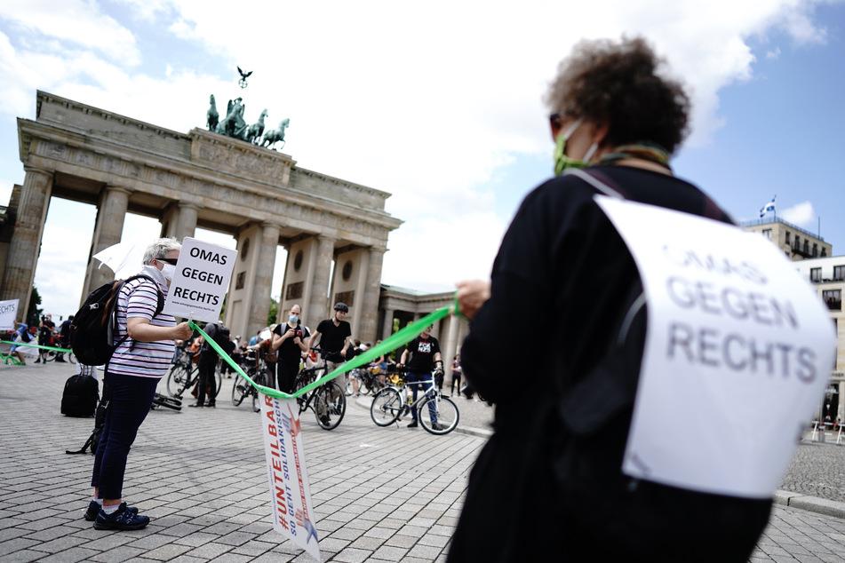 Kurz vor der Bundestagswahl will das Bündnis #unteilbar - darunter auch die Omas gegen Rechts - in Berlin demonstrieren.