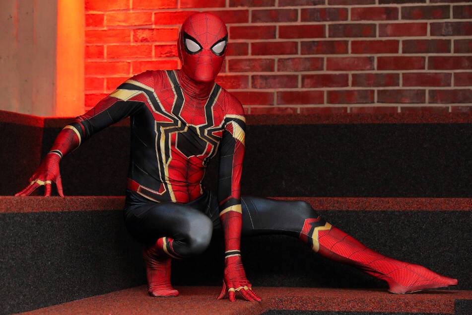 """Wenn im Dezember der neue """"Spider-Man - No Way Home"""" ins Kino kommt, feiert Rocco Zschuppe (35) die Premiere im Spider-Man-Outfit im Kristallpalast."""