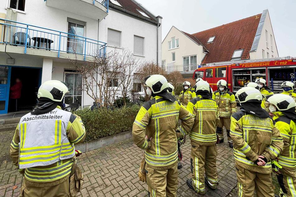Die Feuerwehrkameraden konnten nur herumstehen, am Löschen wurden sie gehindert.