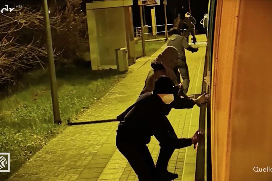 Der Lokführer filmte die Tat am 20. April aus seiner Kabine an der Zugspitze.