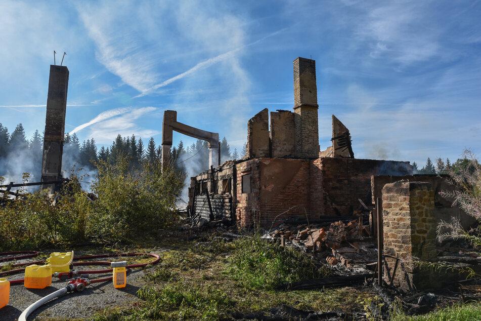 Das Ferienheim brannte bis auf die Grundmauern ab.