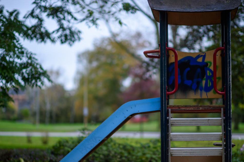 Zerstört, geklaut, beschmiert: Probleme mit Vandalismus auf Spielplätzen