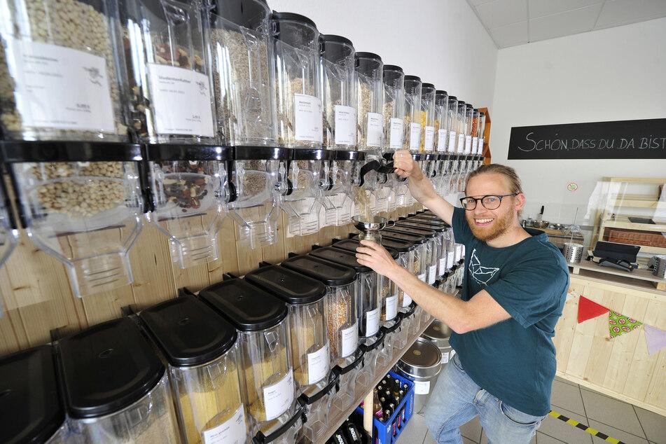 Ladeneröffnung in Corona-Zeiten: Michael Karl (35) verkauft nur unverpackte Waren.