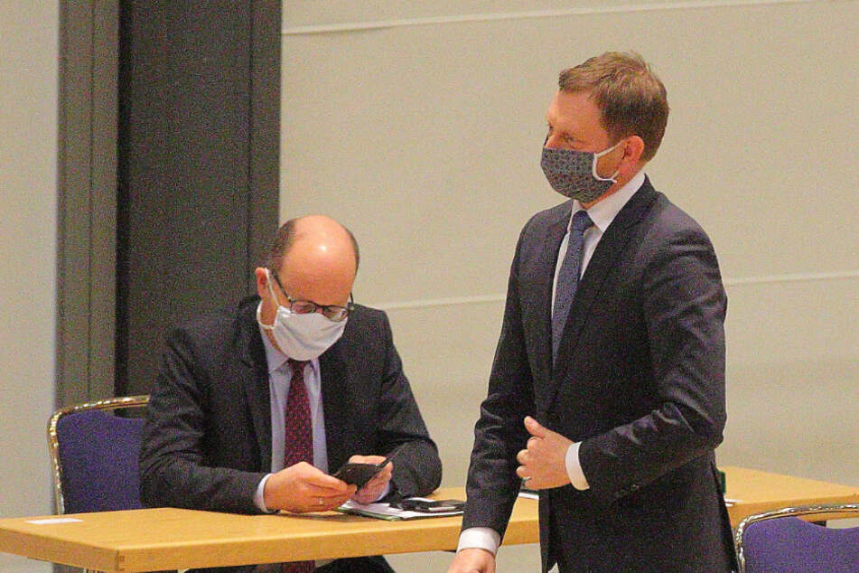 Ministerpräsident Michael Kretschmer (44, CDU) trug Mundschutz.