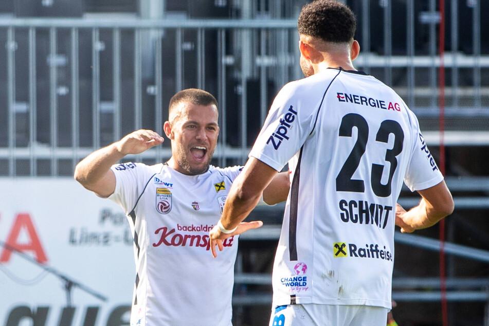 Sascha Horvath (25, l.) bejubelt sein erstes Tor für seinen neuen Verein Linzer ASK.