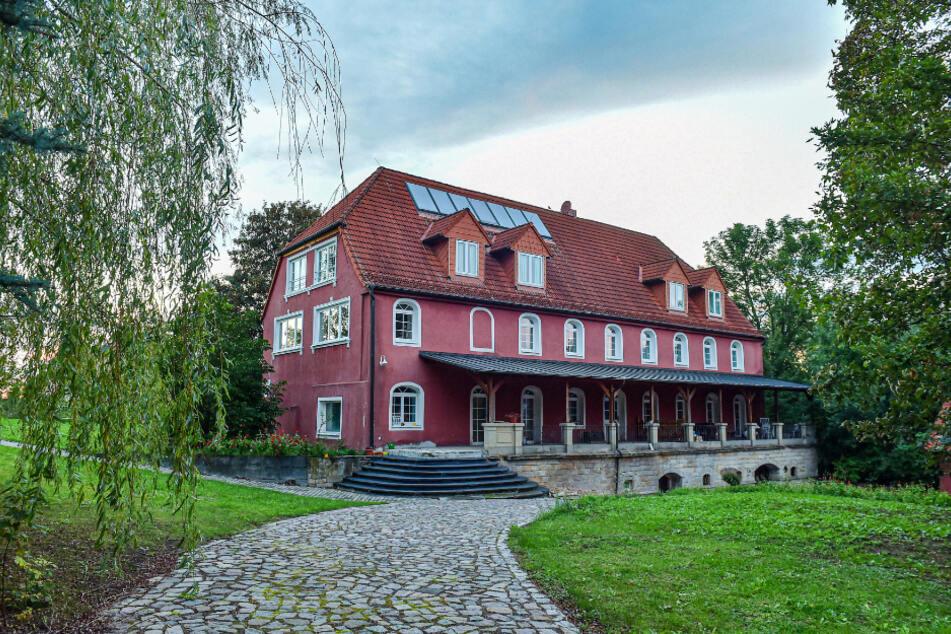 Das Rittergut in Kleinopitz ist bei der letzten Grundstücksauktion nicht unter den Hammer gekommen. Niemand gab ein Gebot für das Anwesen ab.