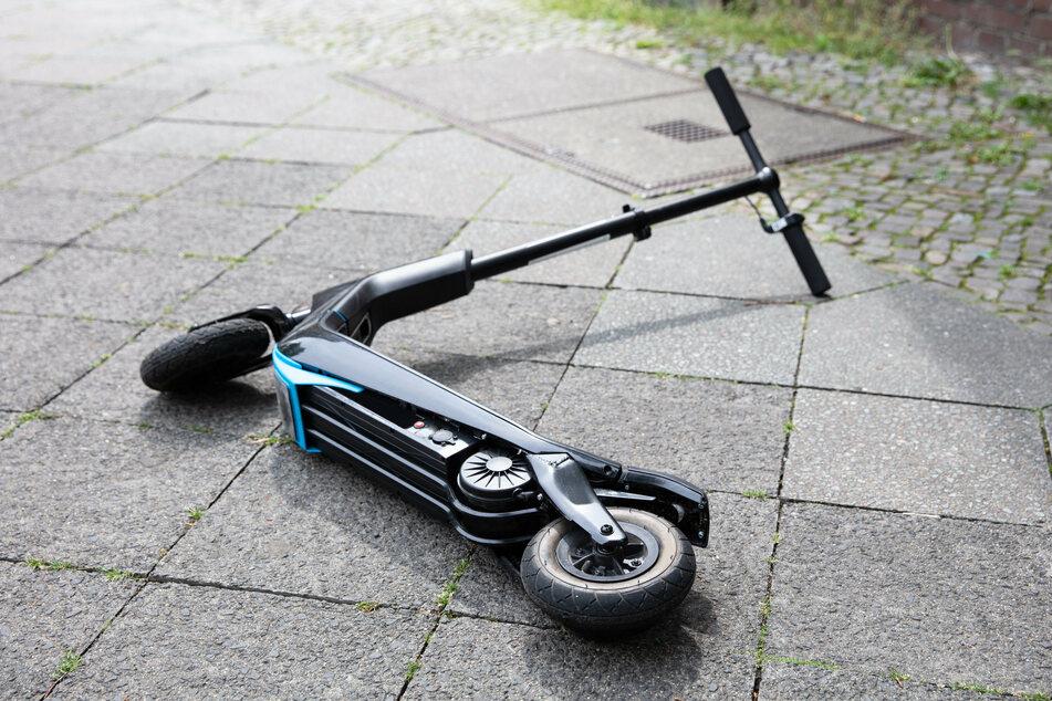 Am Donnerstagmorgen kam es erneut zu einem schweren Unfall mit einem Elektroroller in Köln (Symbolbild).