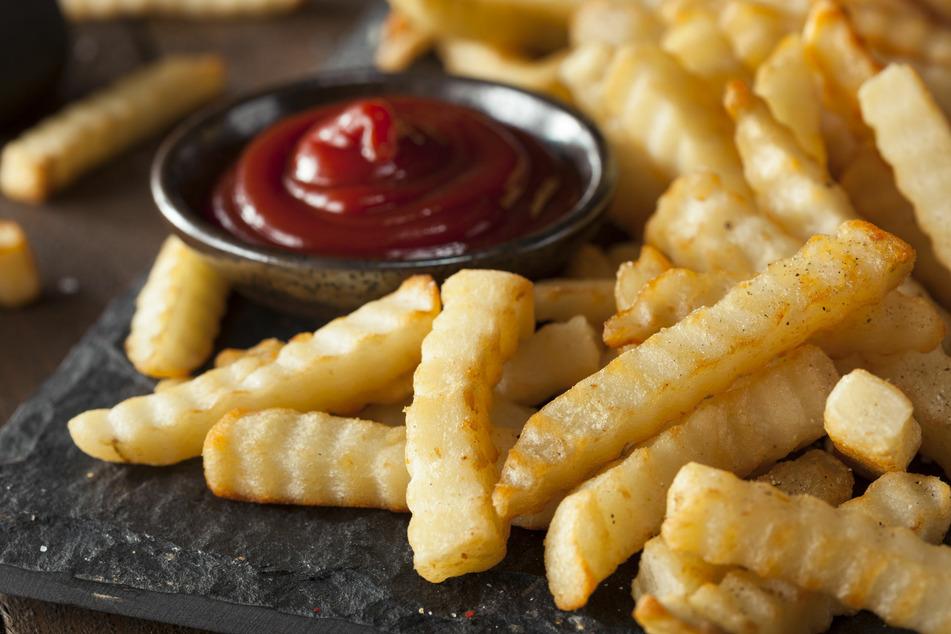Pommes selber machen: Geheimtipps für perfekt frittierte Fritten