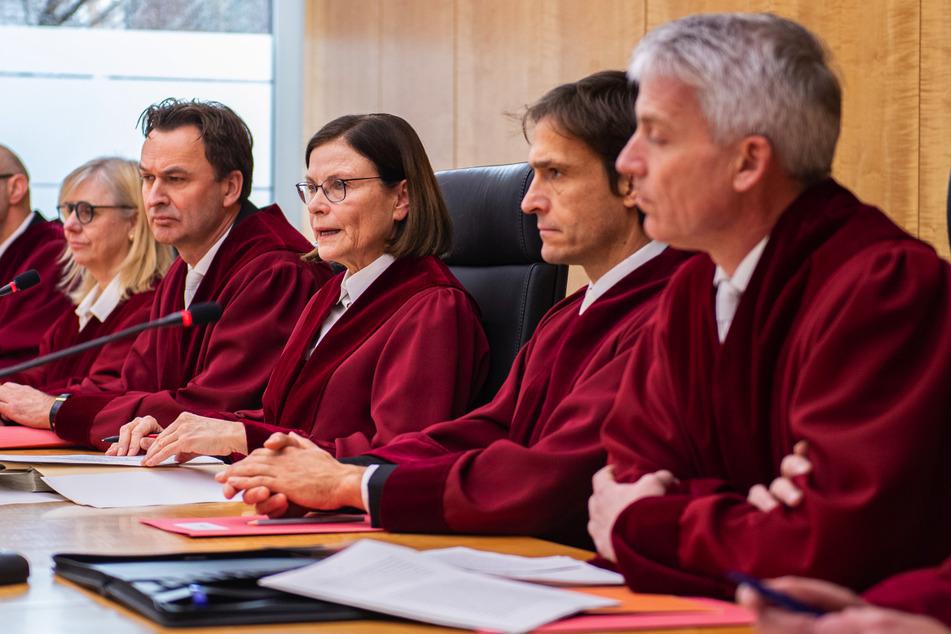 So sieht es aus, wenn der Verfassungsgerichtshof Beschlüsse fasst.