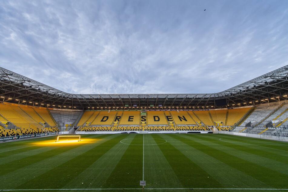 Der Re-Start der Saison 2019/20 erfolgt ab Mitte ohne Zuschauer. Großveranstaltungen sind bis 31. August verboten. Der Bannstrahl, ohne Fans spielen zu müssen, könnte die Vereine also auch noch in der neuen Saison treffen.