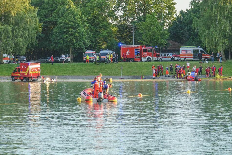 Taucher und Hubschrauber! 59-Jähriger nach Baden im Baggersee vermisst