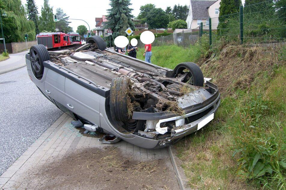 Ein 24 Jahre alter Mann baute am Dienstag in Völpke einen Autounfall - er pustete 2,88 Promille.