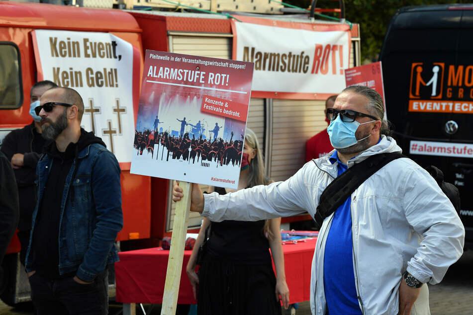 """Das Aktionsbündnis """"Alarmstufe Rot"""" fordert vom Bund massive Änderungen bei den Corona-Hilfen."""