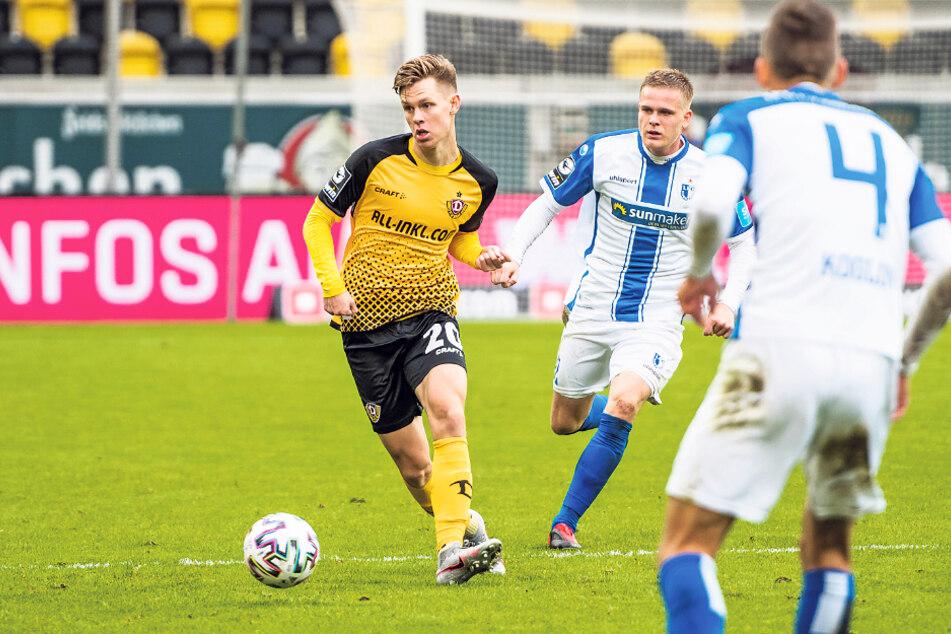 Julius Kade (l.) brachte bei seinem ersten Einsatz gleich frischen Wind in die Partie gegen Magdeburg.