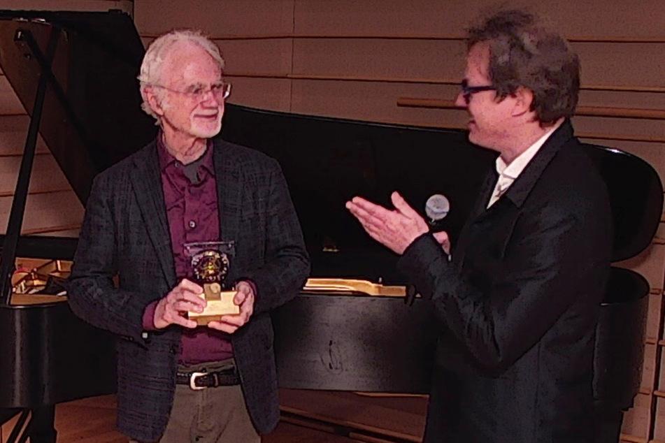 Musikfestspiel-Intendant Jan Vogler (57, r.) applaudierte dem Festival-Preisträger 2021, John Adams (74), Sonntag in New York.