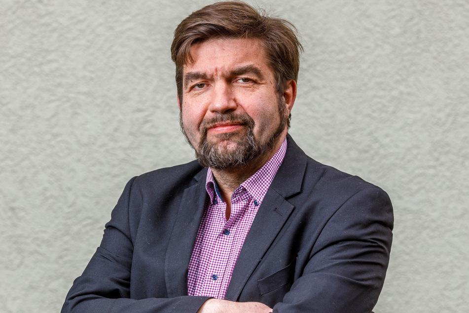 Linke-Rat Jens Matthis (54) will die alte Tradition mit modernen Hybrid-Bussen aufleben lassen.